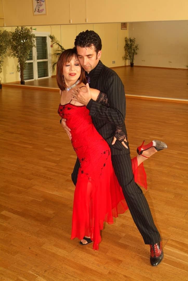Suky et Daniel qui font une démonstration de Tango