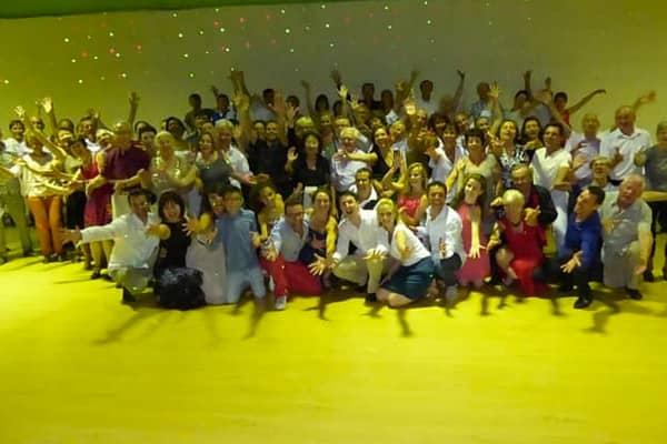 Photo de groupe des participants au stage de danse